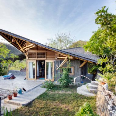 Eco accommodation in lombok indonesia lombok eco homes for Maine eco homes